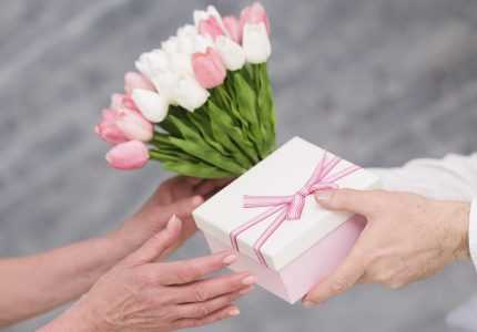 Fool Proof Yet Unique Birthday Gifts Online in India